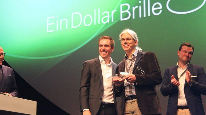 """©EinDollarBrille gewinnt beim Next Economy Award in der Kategorie """"People"""""""