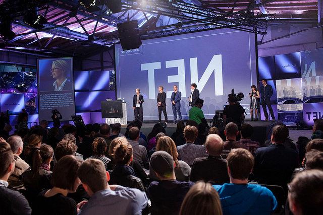 Tanja Haeusler (l-r), Johnny Haeusler, Markus Beckedahl und Andreas Gebhardam 02.05.2016 eröffnen die re:publica in Berlin. Foto: re:publica/Jan Zappner