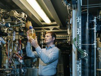Mann in Labor